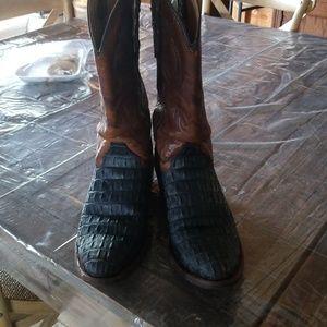4f898442f69 UGG Shoes | Halendi | Poshmark